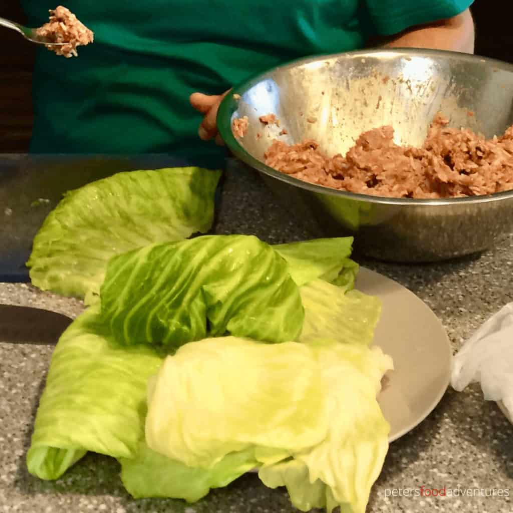 making golubtsi with cabbage leaves
