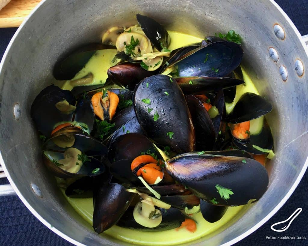 Steamed French Mussels in Wine