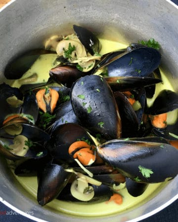 mussels in white wine in a pot