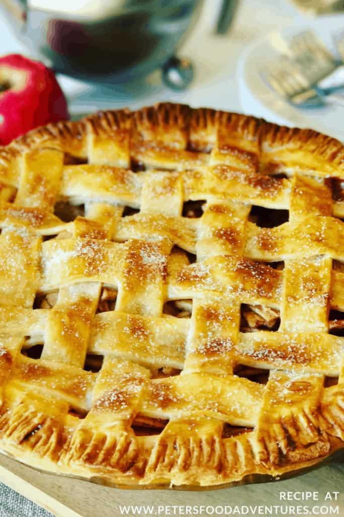 American Apple Pie with cinnamon