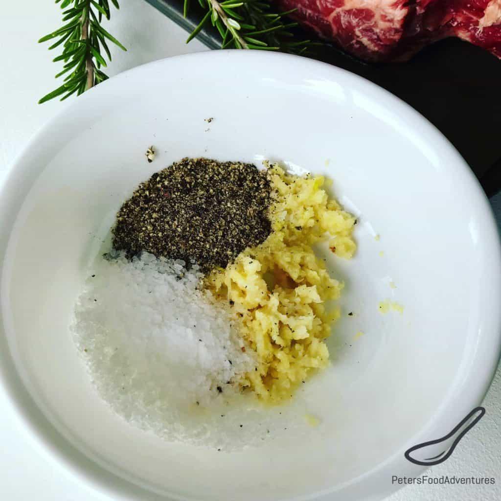 Spices for Prime Rib, salt, black pepper and garlic